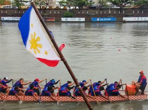 Paddles Up Dragon Boat Racing In Canada by Dragon Boat