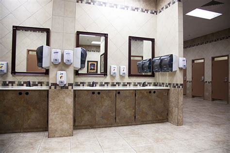 Buc Ees Bathrooms by Buc Ee S Bathrooms Images