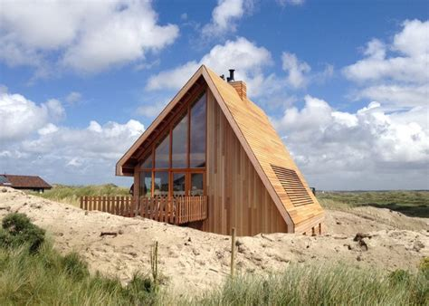 4 Homes With Design Focused On Beautiful Wood Elements by Small Wood Homes And Cottages 16 Beautiful Design And