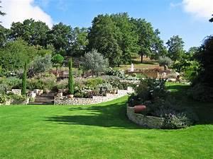vue generale de l39amenagement paysager classique With photos amenagement jardin paysager