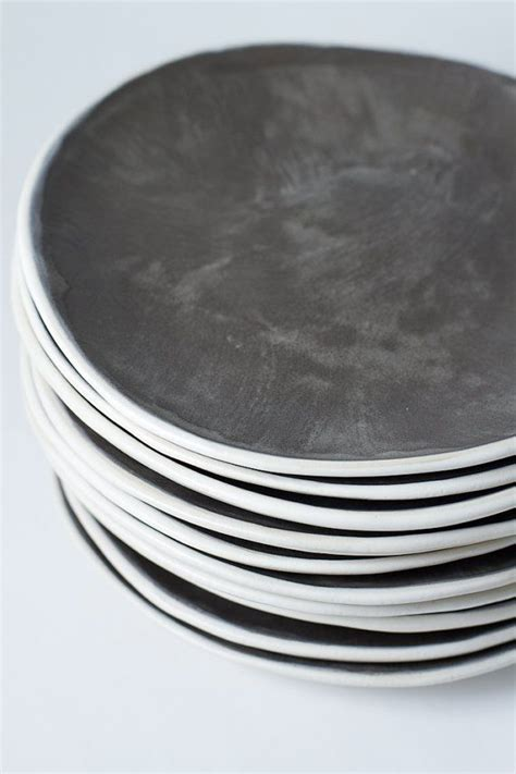 Steingut Geschirr Grau by 9 Quot Charcoal And White Stoneware Plate Ceramic Pottery
