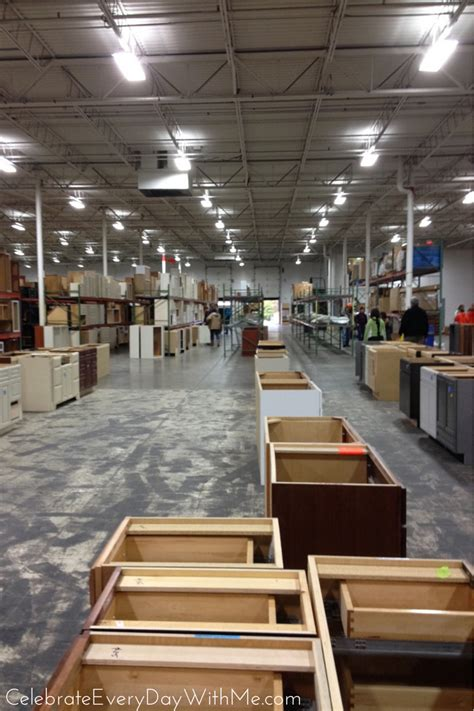 Kitchen Cabinet Outlet Stores In Ohio by Kitchen Cabinet Kraftmaid Outlet