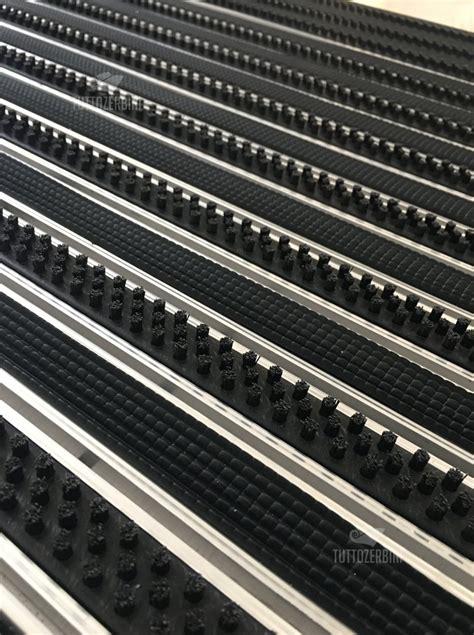 tappeto in gomma tappet tecnici personalizzati su misura adatti per l