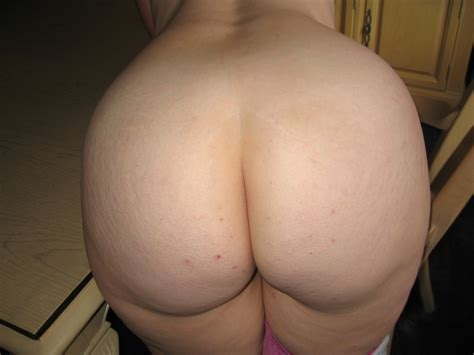 Full Natural Cleavage Bend Over