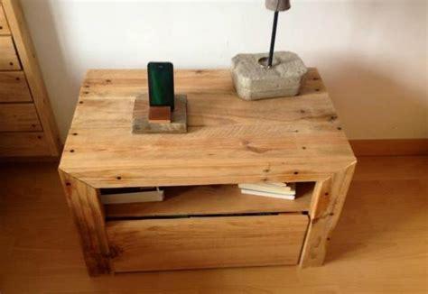 diy bett und eigener designer nachttisch aus paletten freshouse