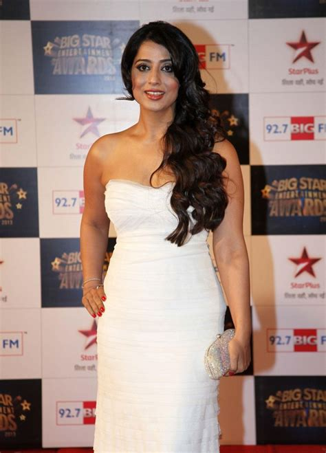 mahi gill hot unseen images  pictures wallpapers