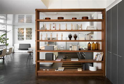 bookshelf with glass divisórias para ambientes dos biombos aos cobogós casa