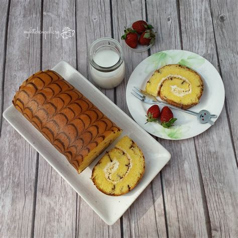 593 likes · 12 talking about this. Lynn's Kitchen: Cheese roll cake (Bolu Gulung keju)