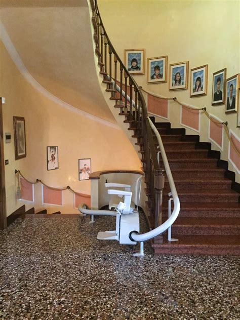 siege monte escalier monte escaliers courbe d 39 intérieur 39 39 vermeer 39 39 de marque