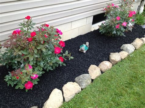 flower bed mulch ideas 25 best ideas about rubber mulch on pinterest recycled rubber yard landscaping and