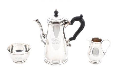 Scegli l'eccellenza intramontabile dei prodotti tiffany & co. Three Piece Tiffany & Co Sterling Coffee Set : Lot 95 ...