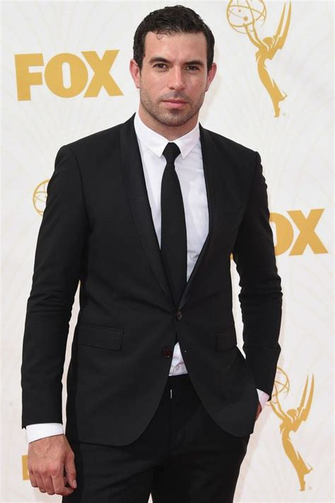 tom cullen happily ever after downton abbey s tom cullen heats up the emmys red carpet