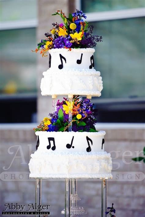notes wedding cake