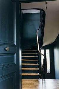 17 meilleures idees a propos de escaliers peints en noir for Superb quelle couleur pour des wc 12 deco cage escalier entree