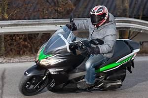 Kawasaki Roller 125 : kawasaki j300 im test testbericht ~ Kayakingforconservation.com Haus und Dekorationen