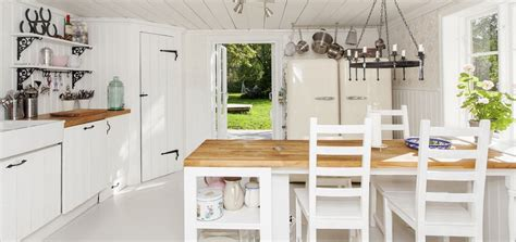 Stile Cottage by La Cuisine Style Cottage