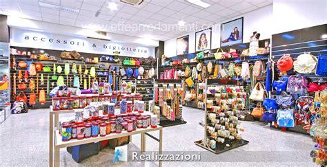 accessori arredamento negozi esempi di arredo negozi effe arredamenti