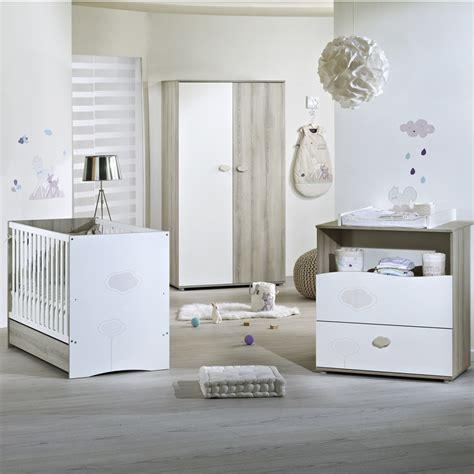 chambre bébé simple chambre nael sauthon lit commode armoire les bébés du