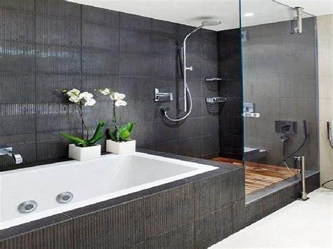 bagno  due porte  accesso bagno progettare