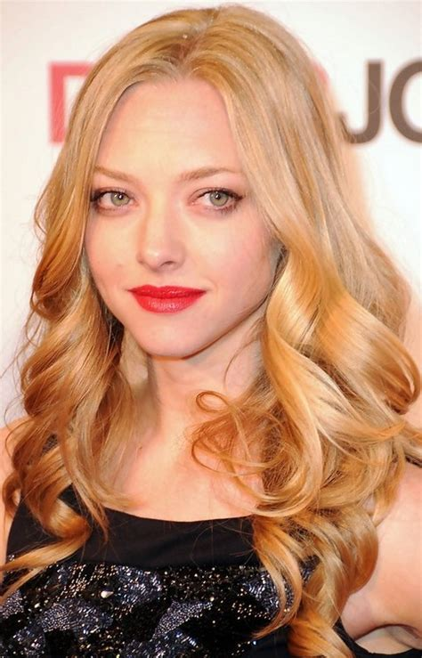 Amanda Seyfried Hairstyles: Center parted Curls   Pretty