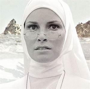 Wer Passt Zur Waage Frau : welches passt zu jungfrau bildquelle fotolia bildquelle fotolia kostenlose beauty fashion ~ Indierocktalk.com Haus und Dekorationen