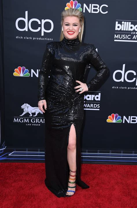 Kelly Clarkson at the 2019 Billboard Awards | POPSUGAR ...