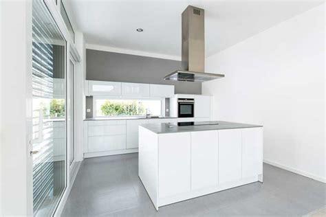 Prijs Hoogglans Keuken hoogglans keuken heeft een moderne en strakke vormgeving