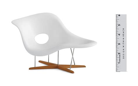 chaise eames vitra vitra miniatures collection eames la chaise design