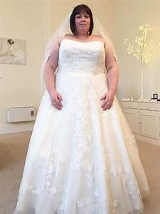 bride loses almost half her body weight in 12 months to With size 28 wedding dress