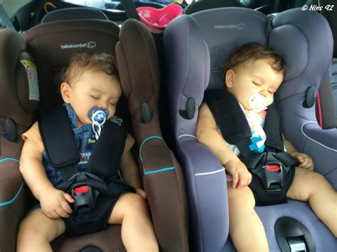 siege auto jumeaux série oh vous avez des jumeaux mais comment faites