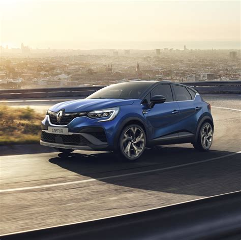 Renault Captur E-Tech hybrid (2021, second generation) photos