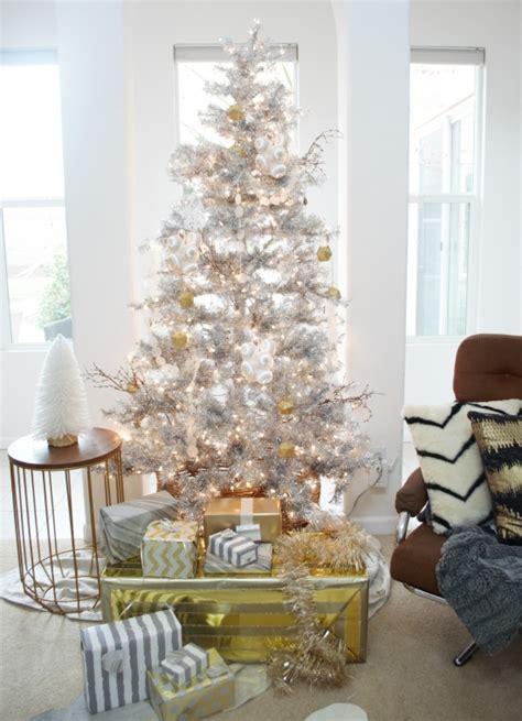 silver christmas tree decor ideas digsdigs