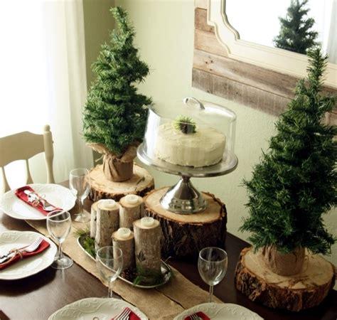winter table decor    natural materials