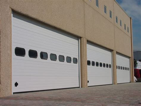 portoni capannoni industriali portoni sezionali metalcam service