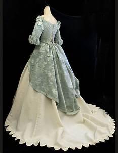 Victorian era dress memes for Civil war style wedding dresses