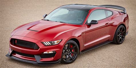 2017  Ford  Mustang  Vehicles On Display  Chicago Auto