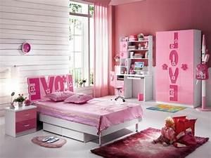 le tapis pour chambre fille 20 idees design With tapis d entrée avec canapé pour chambre