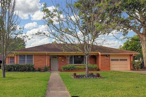 Brick Ranch Needs Curb Appeal Exterior Makeover
