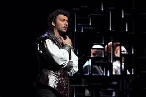 A bronze-toned lion of Venice: Kaufmann debuts as Otello