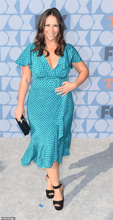 foto de Jennifer Love Hewitt is pretty in turquoise polka dot