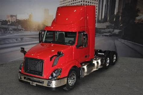 natural gas powered volvo vnl top speed