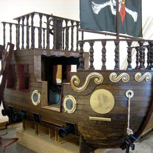 Barco Pirata Wow by Absolutely Luv This Pirate Ship Bed But Wow U Would Sure