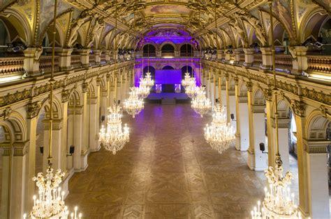 canape espagnol l 39 hôtel de ville visites expositions location des