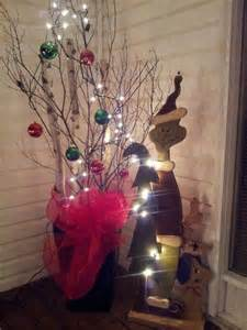 outdoor christmas decor the grinch christmas inspiration