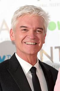 Phillip Schofield donates £5,000 to guest who FAINTED on ...