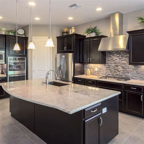 kitchen backsplash  dark cabinets light granite