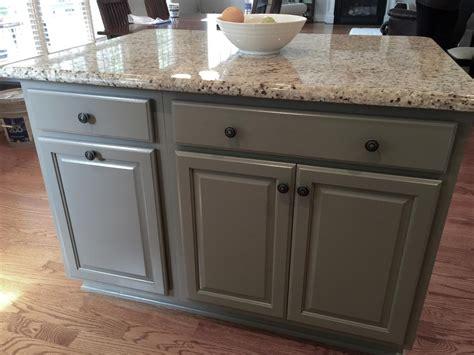 pinstripe glaze kitchen cabinets niveous cabinets harbor pinstripe glaze taos 4239