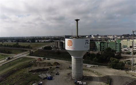 Watch Richardon's massive new water tower rise above the city
