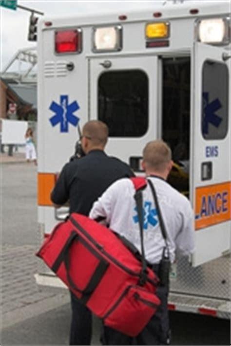 auxiliaire ambulancier salaire ambulancier ambulanci 232 re 233 tudes m 233 tier dipl 244 mes salaire formation cidj le site du