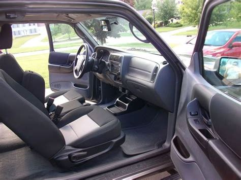 sell   ford ranger xlt extended cab pickup  door